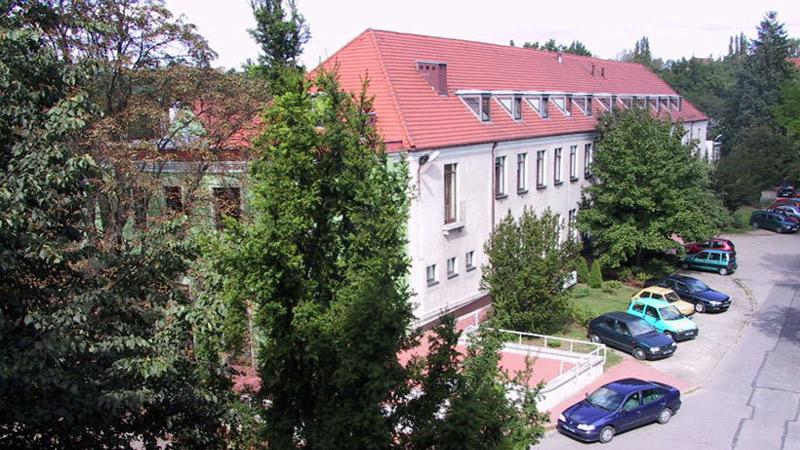IWNIRZ-czasy-wspolczesne- Instytut Włókien Naturalnych I Roślin Zielarskich
